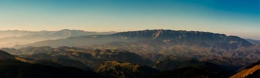 Montagne la Transilvania Romania di Piatra Craiului Fotografia Stock Libera da Diritti