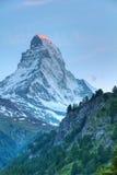 Montagne Matterhorn au coucher du soleil image libre de droits