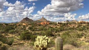 Montagne maximale de sommet de paysage de désert de l'Arizona Scottsdale banque de vidéos
