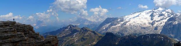 Montagne meravigliose della dolomia scenry/gruppo montagna di sella e di marmolada Fotografia Stock