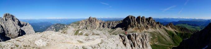 Montagne meravigliose della dolomia scenry/paesaggio alpino/grande vista Fotografia Stock
