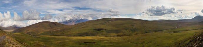 Montagne molto di alta risoluzione di vista panoramica di Georgia Fotografia Stock Libera da Diritti