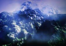 Montagne nebbiose Immagini Stock