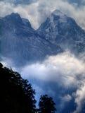 Montagne nebbiose, Hagengebirge, alpi bavaresi Fotografie Stock