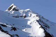 montagne neigeuse Photographie stock
