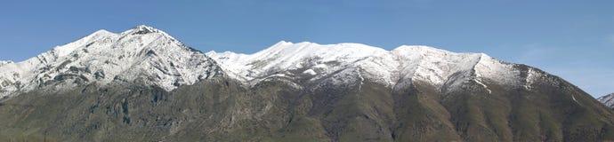 Montagne nella sorgente Fotografia Stock Libera da Diritti