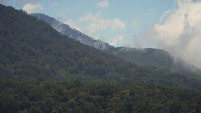 Montagne nelle nubi Bali, Indonesia Immagini Stock Libere da Diritti