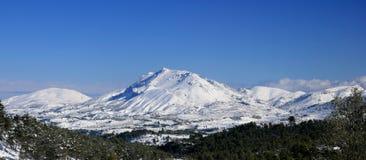 Montagne nevicate Immagini Stock Libere da Diritti