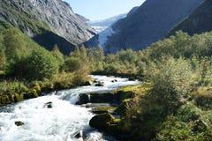 Montagne norvégienne de neige Image stock