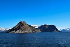 Montagne norvegesi vedute dal mare Sopra il Circolo polare artico Fotografia Stock Libera da Diritti
