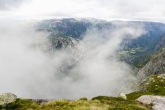 Montagne nuvolose Immagini Stock Libere da Diritti