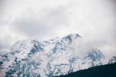 Montagne nuvolose delle alpi in Austria Immagini Stock Libere da Diritti