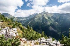Montagne occidentali di Tatras con il più alta collina di Bystra in Slovacchia dalla cresta della montagna di Otrhance Fotografia Stock Libera da Diritti