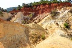 Montagne ocracee in Provenza, Francia Fotografia Stock Libera da Diritti
