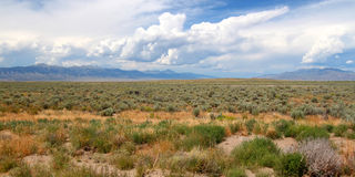 Montagne oltre la valle dell'Idaho Immagine Stock
