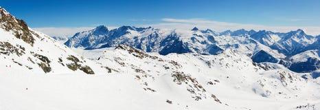 Montagne panoramiche di inverno Immagine Stock