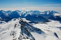 Montagne panoramiche di inverno Immagini Stock