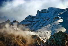 Montagne recouverte par neige Images libres de droits