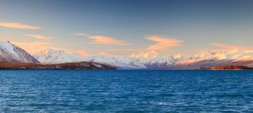 Montagne ricoperte neve Fotografia Stock Libera da Diritti