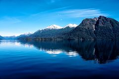 Montagne ricoperte neve selvaggia patagonian Fotografia Stock Libera da Diritti