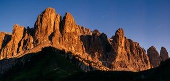 Montagne rocciose al tramonto Alpi Italia della dolomia Fotografia Stock