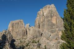 Montagne rocciose di Cinque Torri, dolomia, Veneto, Italia Fotografia Stock Libera da Diritti