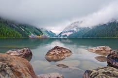 Montagne rocciose Lake Louise Fotografie Stock Libere da Diritti