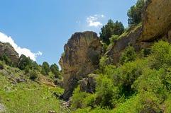 Montagne rocciose nel Kirghizistan Immagini Stock
