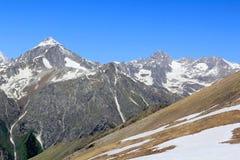 Montagne Rocciose nella regione di Caucaso in Russia Fotografie Stock