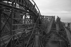 Montagne russe in bianco e nero Fotografia Stock Libera da Diritti