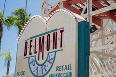 Montagne russe e parco del parco di Belmont vicino a San Diego, California fotografie stock