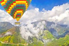 Montagne sceniche del paesaggio Fotografia Stock