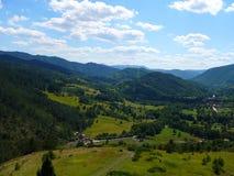Montagne in Serbia, Mokra Gora, Drvengrad immagini stock