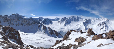 Montagne Snow-clad fotografia stock