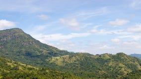 Montagne sotto foschia di mattina al parco nazionale di Khao Kho, P Immagini Stock