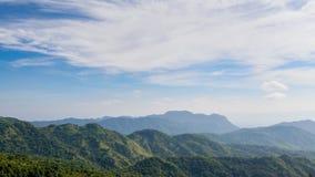 Montagne sotto foschia di mattina al parco nazionale di Khao Kho, P Fotografia Stock