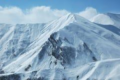 Montagne sotto neve Fotografie Stock Libere da Diritti