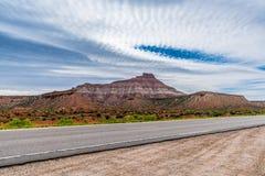 Montagne sur la route à Zion National Park, Utah image stock