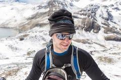 Montagne turistiche che fanno un'escursione, Bolivia della neve del selfie dell'alpinista Fotografia Stock Libera da Diritti