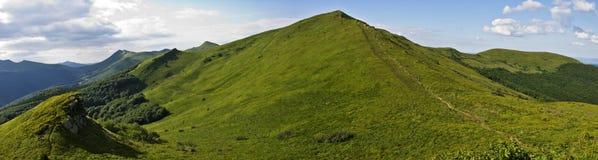 Montagne verte Bieszczady Photographie stock libre de droits