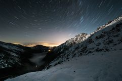 Montagne, viaggio, natura, neve, nuvole, cielo, gola fotografia stock libera da diritti