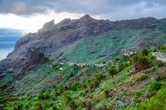 Montagne vicino al villaggio di Masca, Tenerife in isole delle isole Canarie fotografia stock