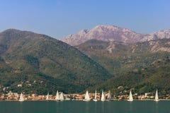 Montagne vicino alla baia di Cattaro montenegro Fotografia Stock