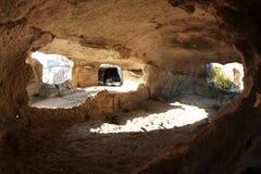 Montagne. Ville Eski-Kermen de caverne Images stock