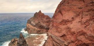 Montagne volcanique dans l'Océan Atlantique, Portugal Images libres de droits