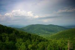 Montagnes à partir du dessus image libre de droits