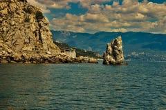 Montagnes - étapes au ciel photographie stock libre de droits