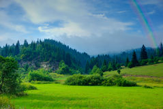 Montagnes après pluie Images stock