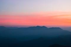 Montagnes au coucher du soleil Photo libre de droits