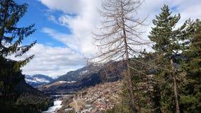 Montagnes autour de bergun, switserland pris du Rhatische Bahn Images libres de droits